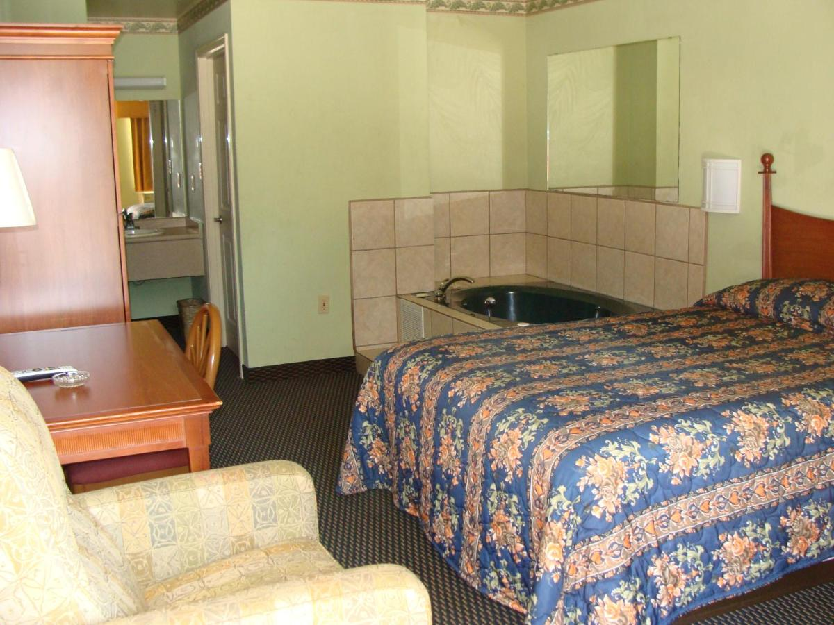 Benbrook Inn Room - 2020